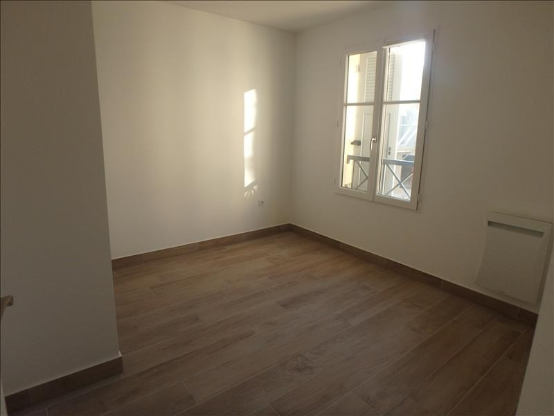 Rental apartment Buc 2 124€ CC - Picture 4
