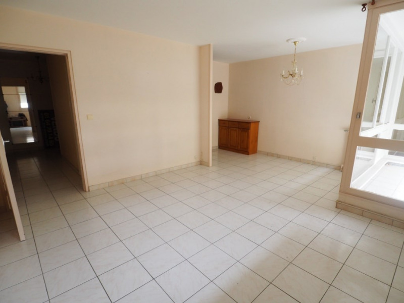 Sale apartment Le mee sur seine 110000€ - Picture 2