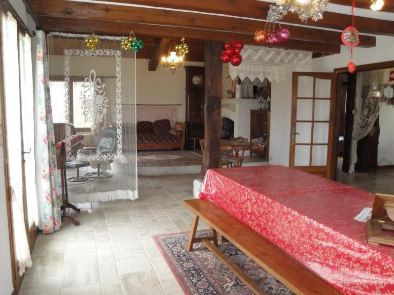 Sale house / villa Chef boutonne 210 000€ - Picture 6