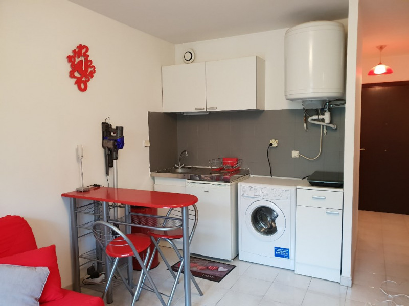Rental apartment Nice 590€ CC - Picture 2