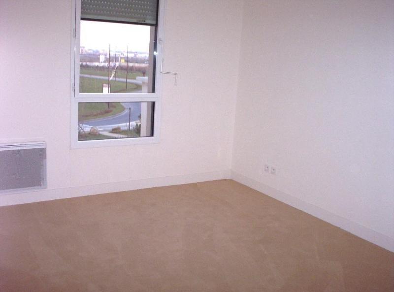 Location appartement Ferrieres en brie 745€ CC - Photo 2