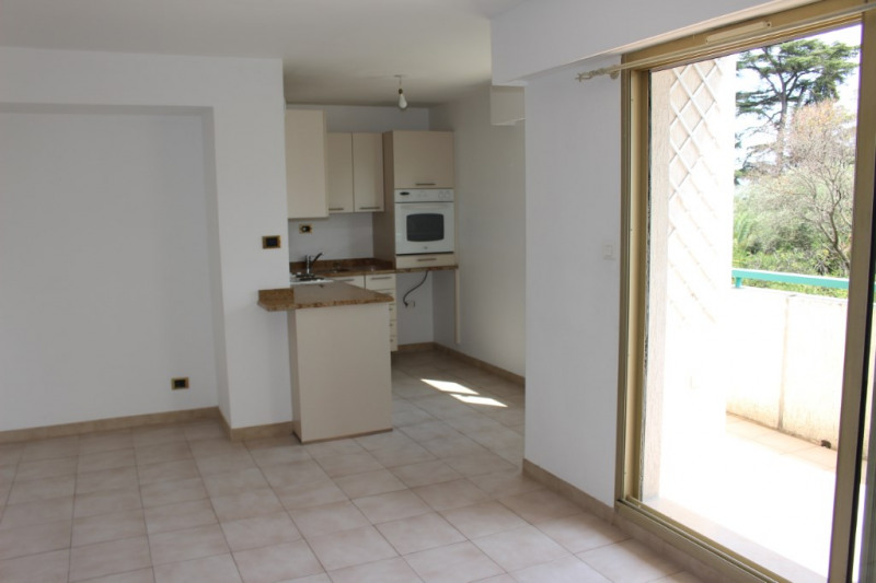 Sale apartment Nice 220 000€ - Picture 3
