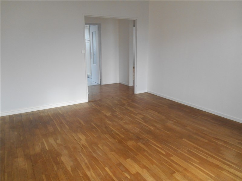 Location appartement Saint andre les vergers 580€ CC - Photo 2