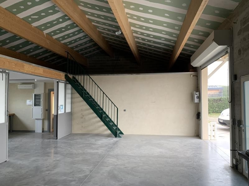 Location local commercial Montvendre 980€ HT/HC - Photo 3