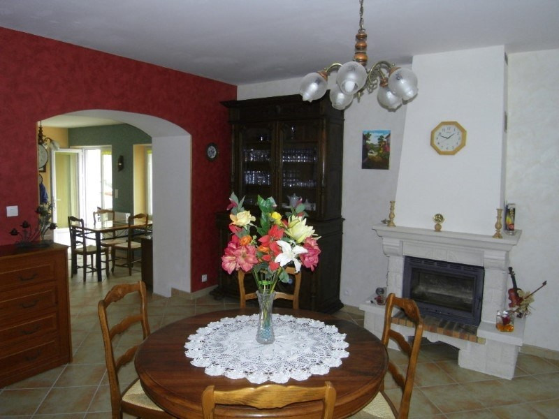 Location maison / villa Angeac champagne 570€ CC - Photo 4