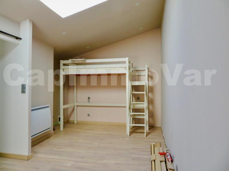 Rental house / villa Le beausset 900€ CC - Picture 3