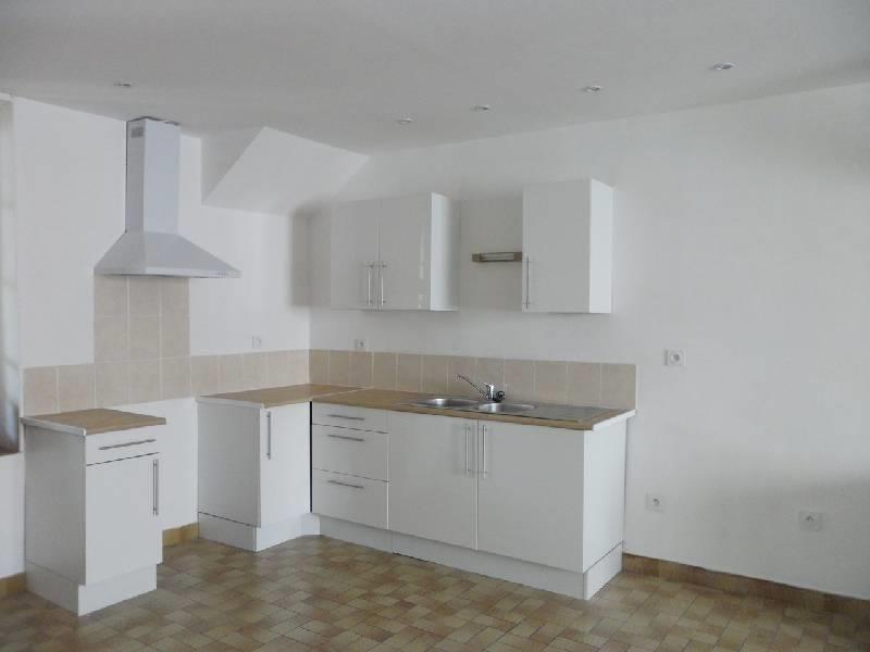 Location maison / villa Nogent sur seine 590€ CC - Photo 1