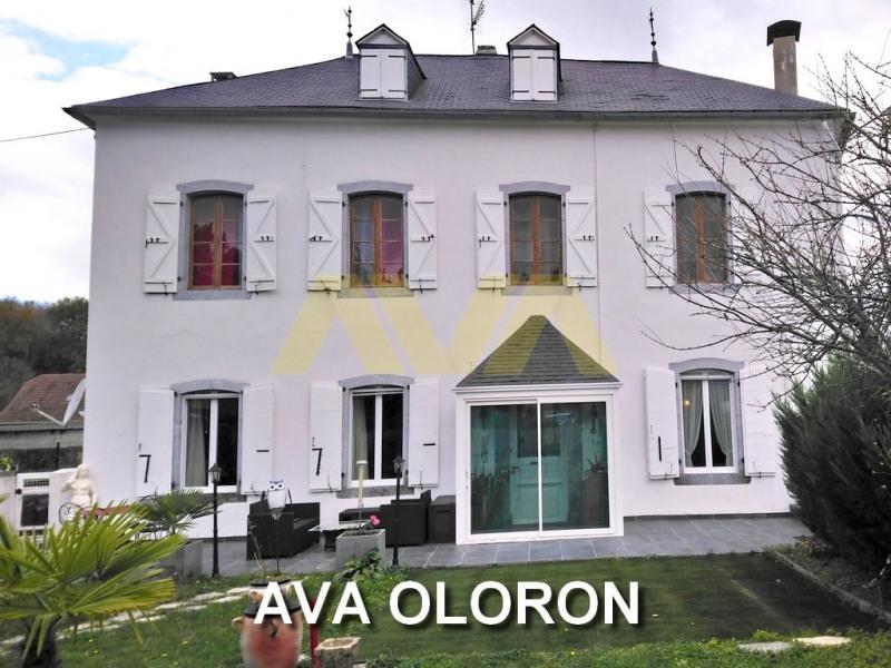 Sale house / villa Oloron-sainte-marie 199500€ - Picture 1