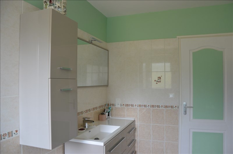 Sale house / villa Ruoms 241000€ - Picture 7