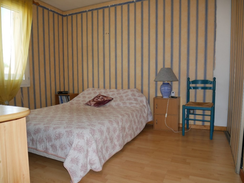 Sale house / villa Poissy 359000€ - Picture 8