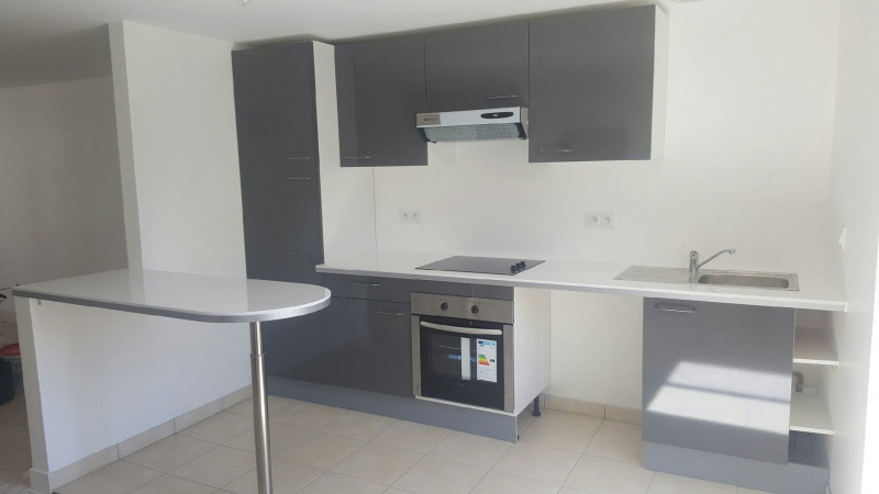 Rental apartment Linas 958€ CC - Picture 1