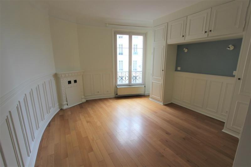 Location appartement Paris 3ème 2115€ CC - Photo 2