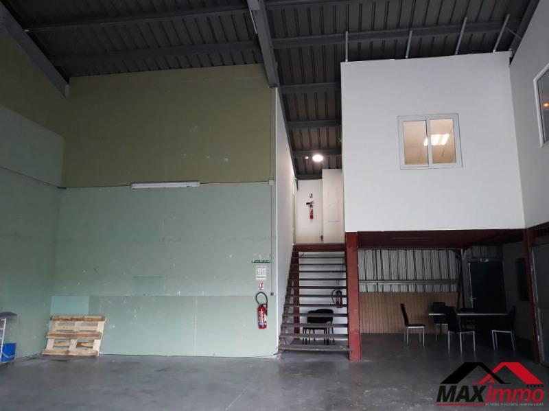 Local commercial Bras Panon 200 m² et 5 bureaux