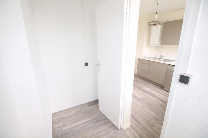 Location appartement Fontaine 660€ CC - Photo 8