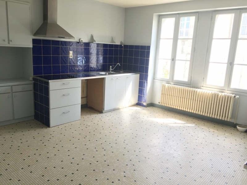 Location maison / villa Liguge 660€ CC - Photo 6
