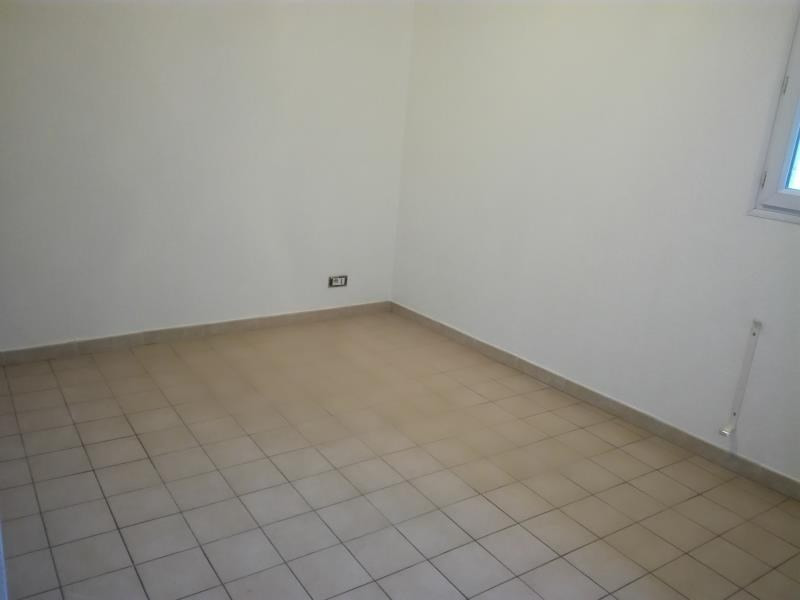Rental apartment Lancon de provence 675€ CC - Picture 7