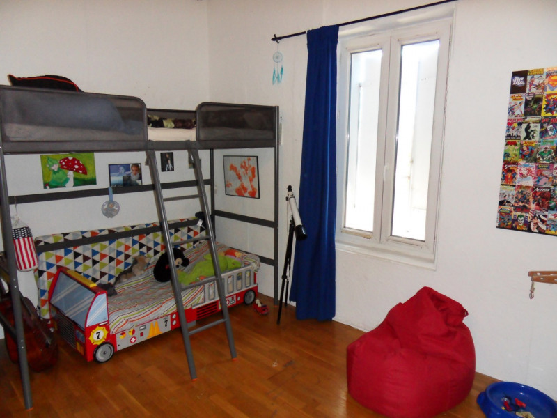 Sale house / villa Bedarrides 147000€ - Picture 11