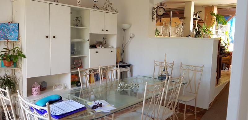 Location maison / villa Castres-gironde 820€ CC - Photo 10
