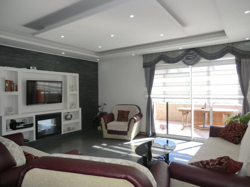 Vente maison / villa Bourgoin-jallieu 349000€ - Photo 1