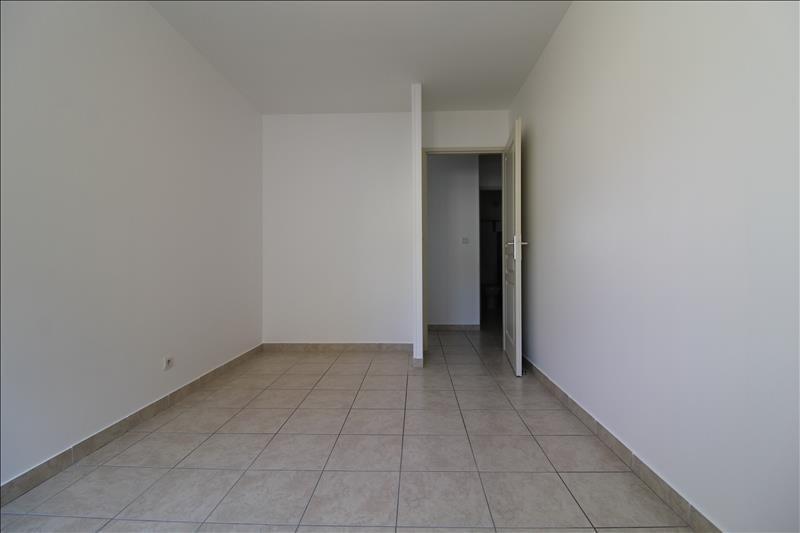 Rental apartment Izeaux 580€ CC - Picture 4