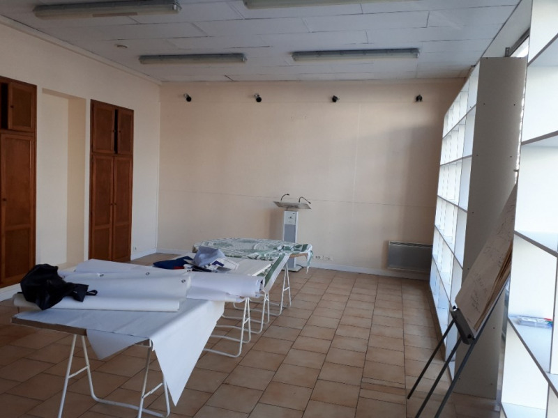Location local commercial Saint quentin 500€ HC - Photo 2