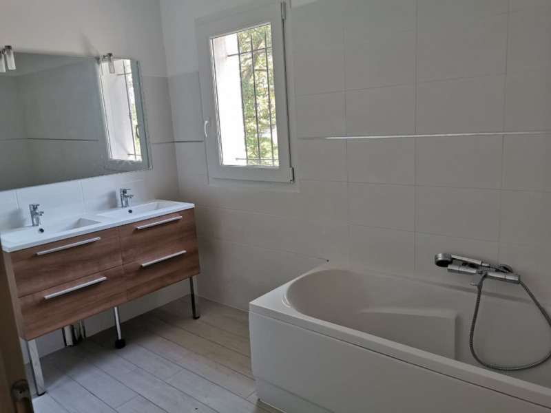 Location maison / villa Cabries 1 975€ CC - Photo 6
