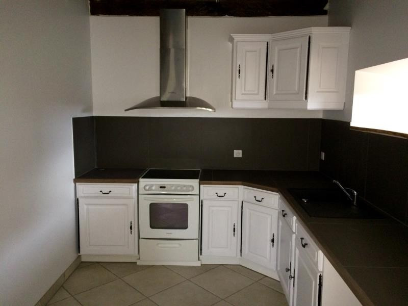 Rental house / villa Montseveroux 770€ CC - Picture 2