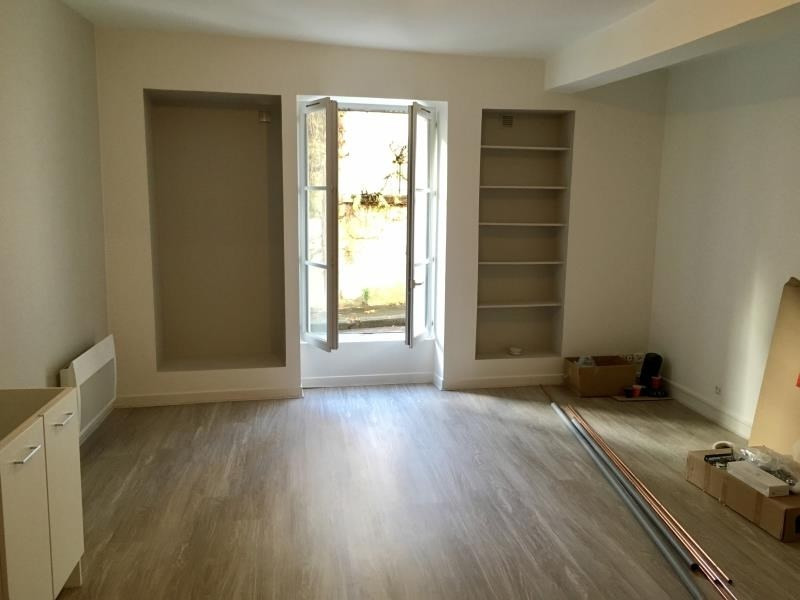 Rental apartment Poitiers 380€ CC - Picture 1