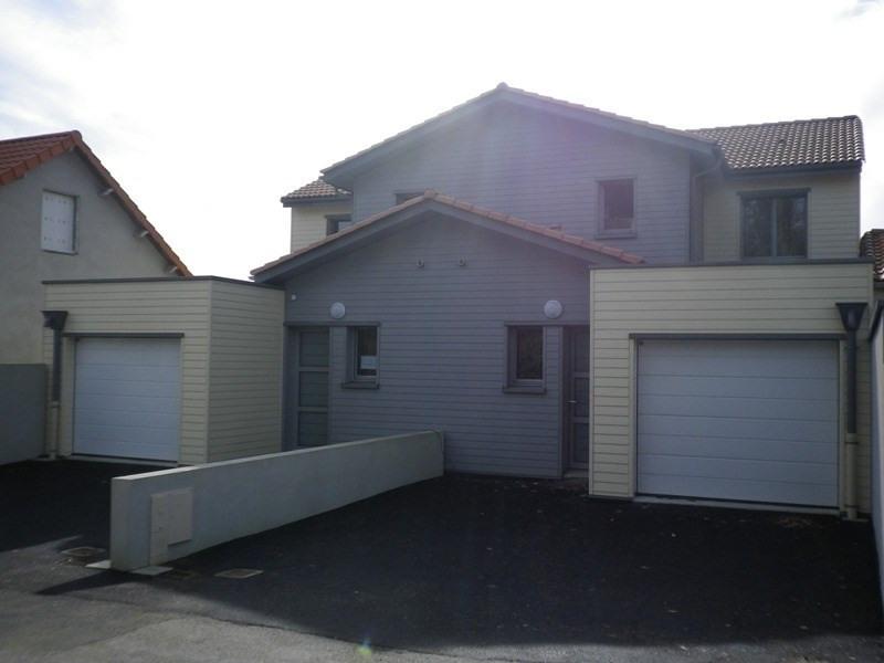 Location maison / villa Mauves sur loire 941€ CC - Photo 1