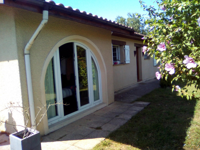 Location maison / villa La brède 1075€ CC - Photo 2
