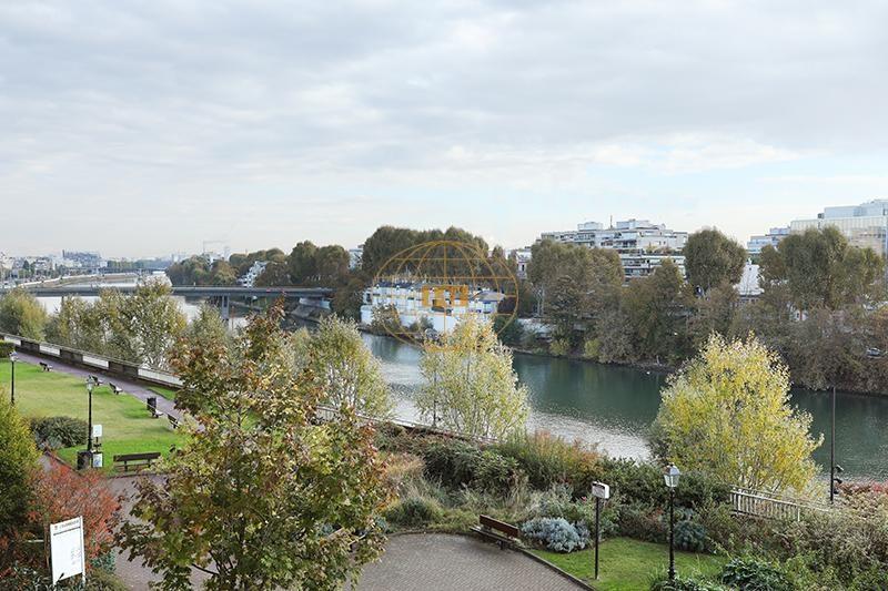 Sale apartment Courbevoie 655000€ - Picture 1