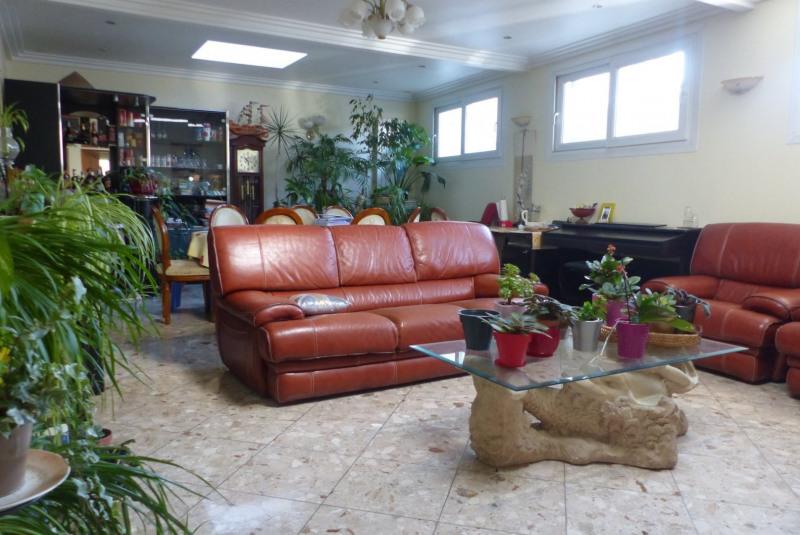 Sale empty room/storage Villemomble 1250000€ - Picture 2
