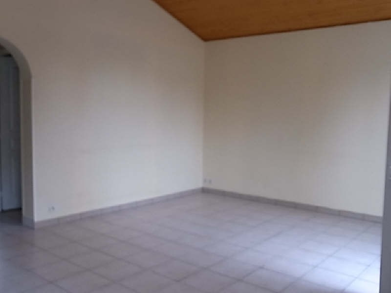 Location maison / villa Vaux sur mer 685€ CC - Photo 2