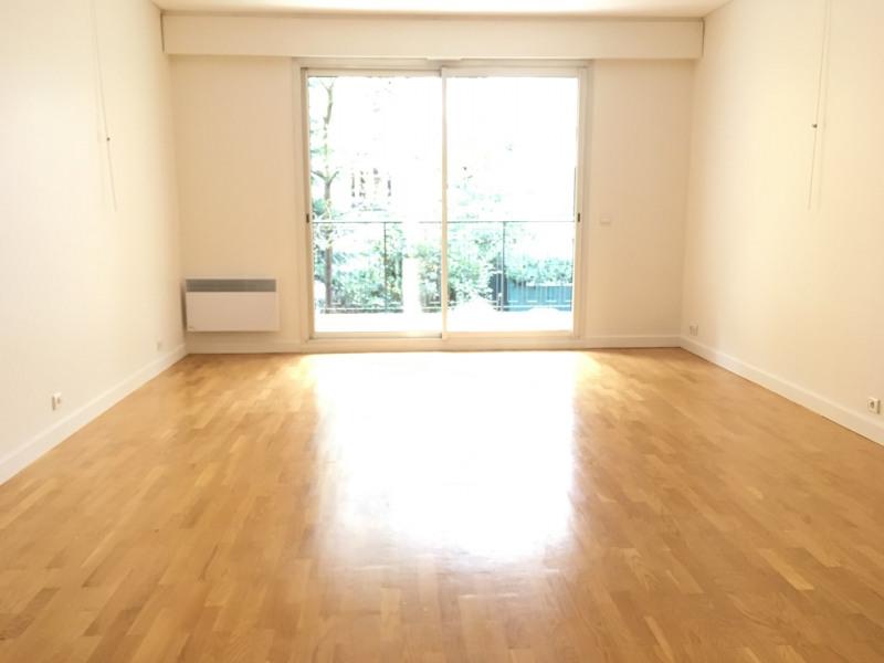 Rental apartment Neuilly-sur-seine 2750€ CC - Picture 2