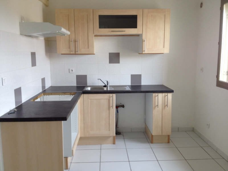Rental apartment Poussan 637€ CC - Picture 2