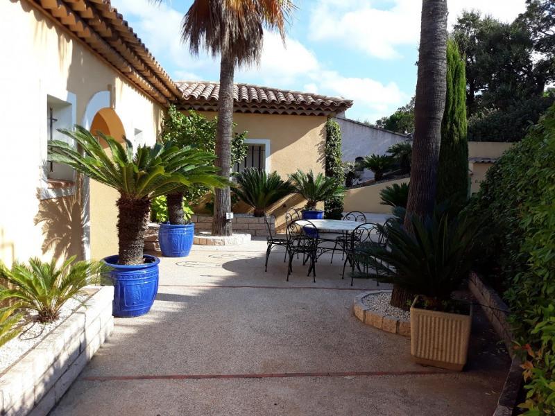 Location vacances maison / villa Sainte maxime 1667,50€ - Photo 5