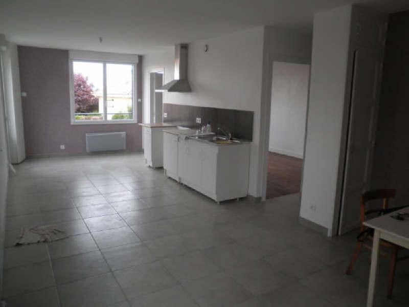 Location maison / villa La seguiniere 610€ CC - Photo 3