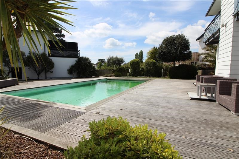 Location maison / villa Larmor plage 1 950€ CC - Photo 3