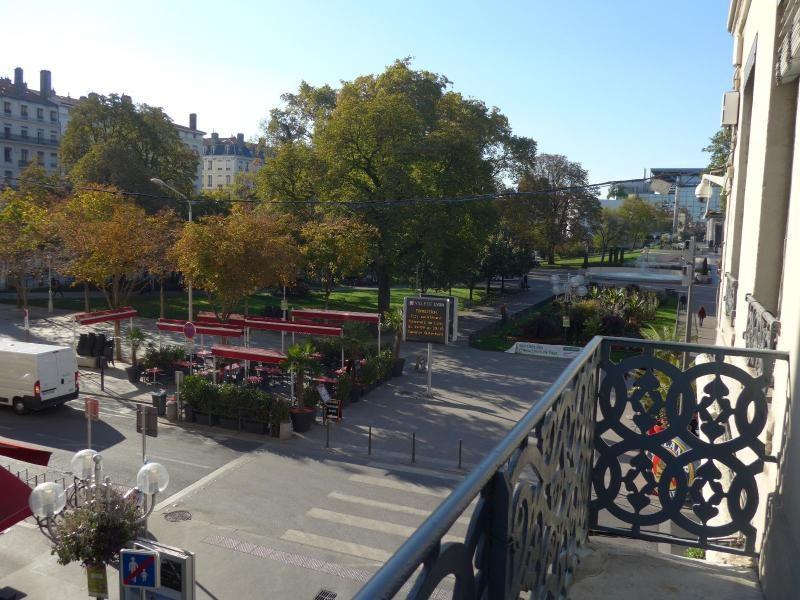 Location appartement Lyon 2ème 963€ CC - Photo 5