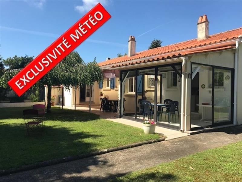 Sale house / villa Angles 266250€ - Picture 1