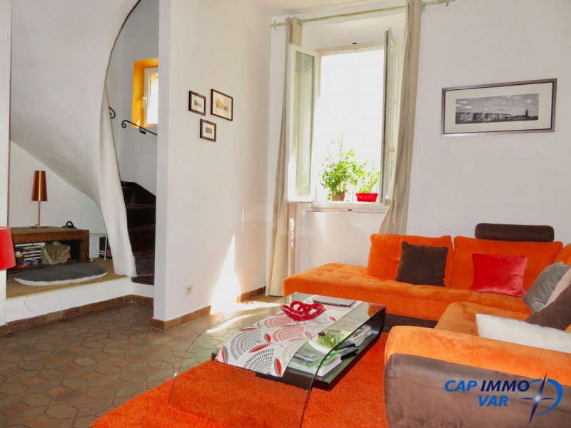 Sale apartment Le beausset 220 000€ - Picture 2