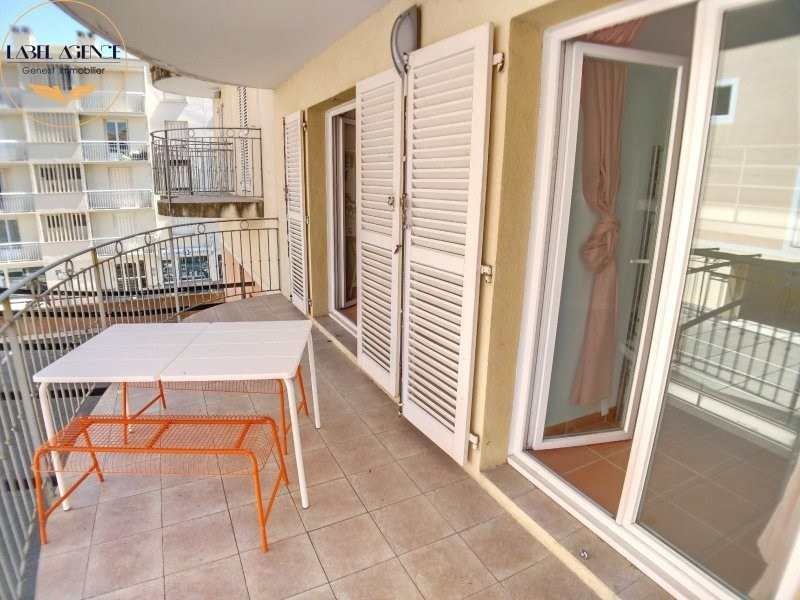 Sale apartment Ste maxime 340 000€ - Picture 3
