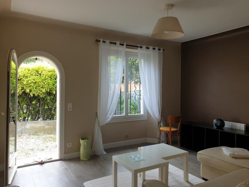 Location maison / villa Aix en provence 1000€ CC - Photo 4