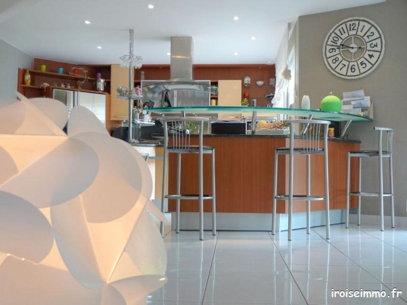Deluxe sale house / villa Bohars 769000€ - Picture 2