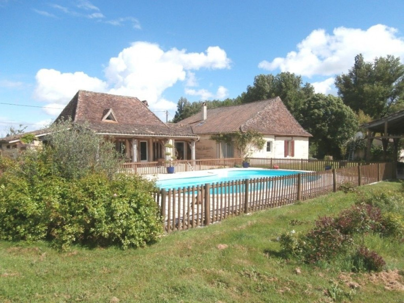 Sale house / villa Saint pierre d'eyraud 370 000€ - Picture 1