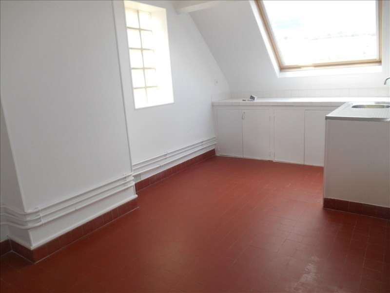 Location appartement Verrieres le buisson 880€ CC - Photo 4