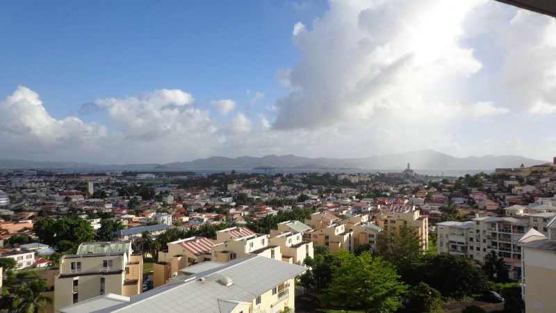 Sale apartment Fort de france 155000€ - Picture 3