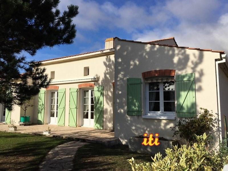 Deluxe sale house / villa Chateau d'olonne 569000€ - Picture 1