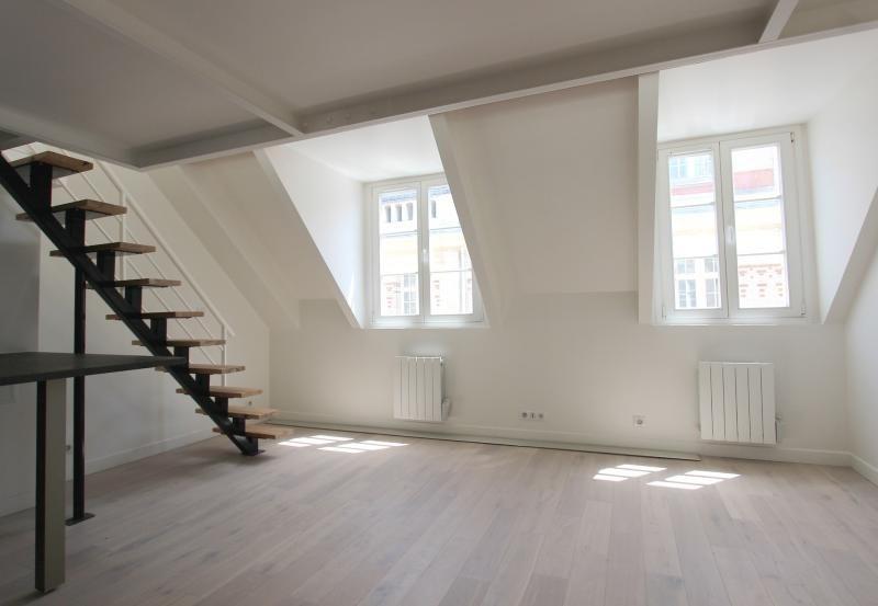 Sale apartment Paris 3ème 650000€ - Picture 2