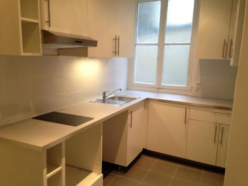 Rental apartment Levallois perret 1073€ CC - Picture 2
